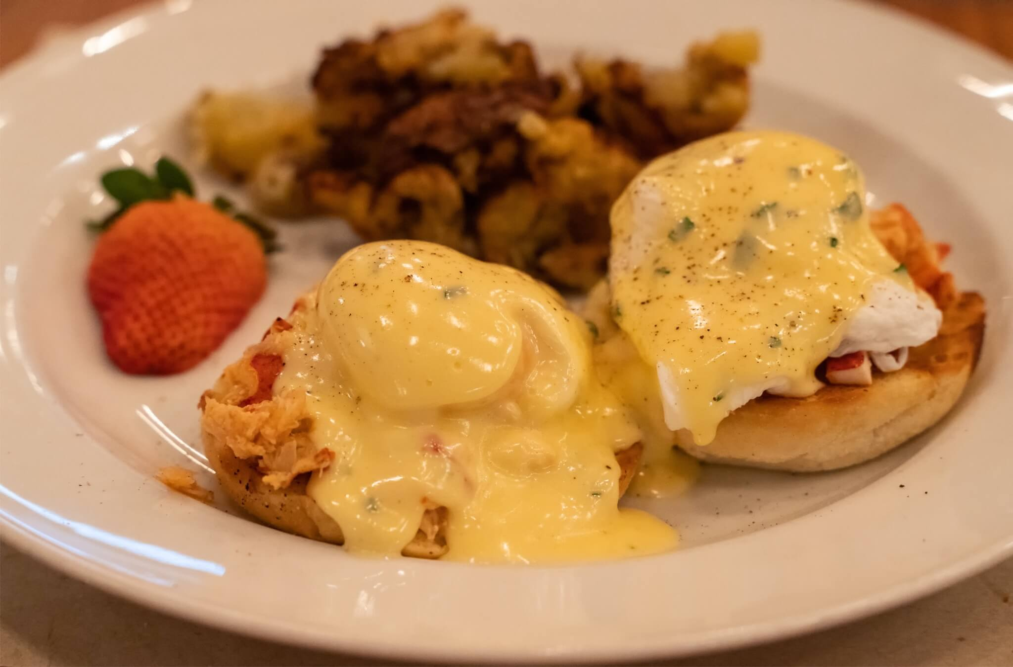 West Oak: Atlantic Lobster Benedict